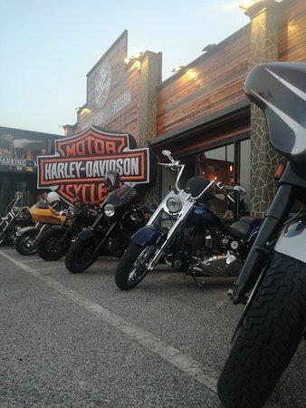 Big Bang - Burger & Steak PUB: Raduno Harley al Big Bang