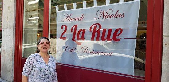 2 La Rue : La Patronne, Anouck