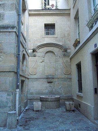Fontaine Eginhard