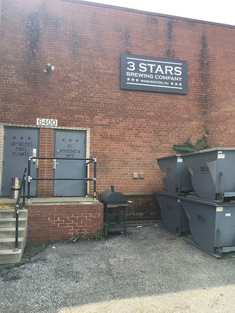 ‪3 Stars Brewing Company‬