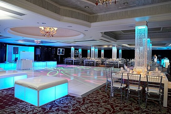Livingston, نيو جيرسي: Ballroom