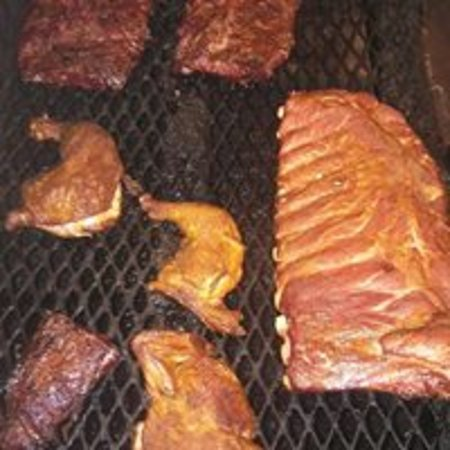 Crossvine Market : smoked bbq being smoked as you are served off the pit