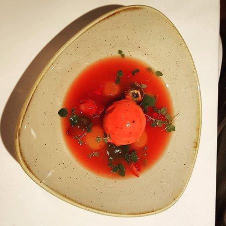 The Restaurant at Drakes: Epic! Dessert melon soup.