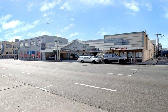 Civic Center Motor Inn: Exterior