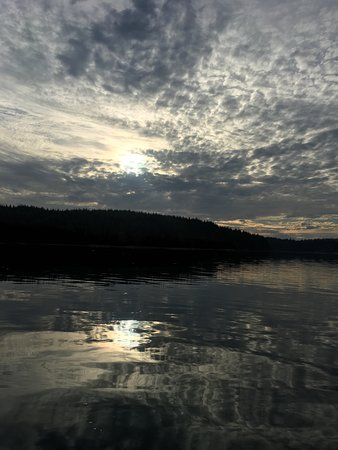 Hello Nature Adventure Tours : Harbour sunset