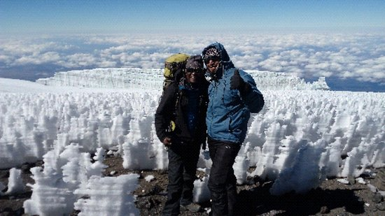 The Top of Mount Kilimanjaro Uhuru peak(5985m)