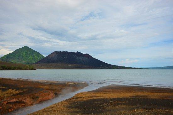 East New Britain, Papua New Guinea: Le Turvurvur, lors d'un tour sur Rabaul organisé par l'hôtel