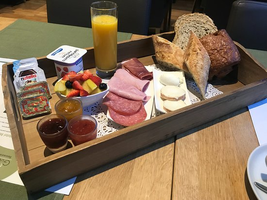 Mersch, Luxembourg: Breakfast