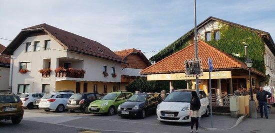 Logatec, سلوفينيا: 20180912_030530_large.jpg