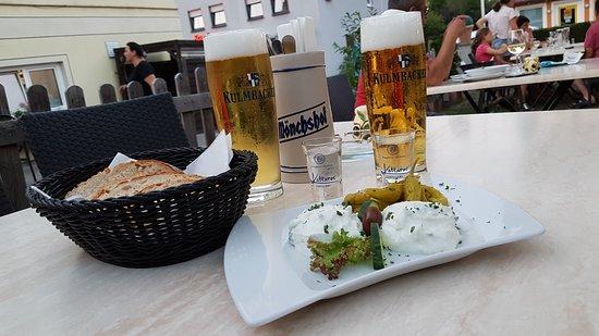 Restaurant Der Grieche: Gemütlicher Biergarten, gutes Essen ! Passt Alles !