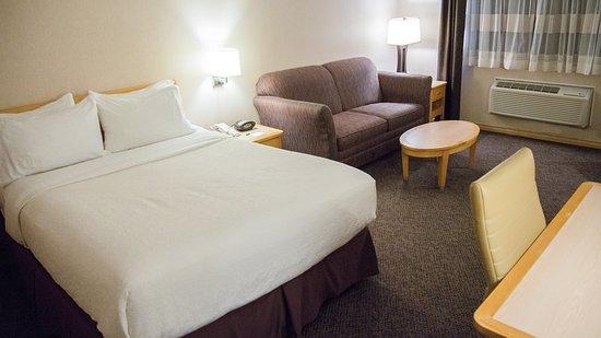 Holiday Inn West Kelowna: Guest room