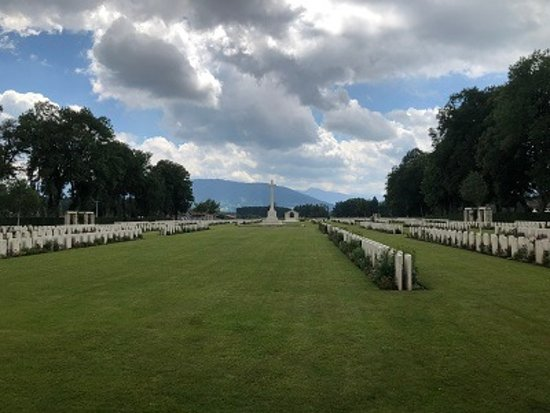 ‪‪Durnbach War Cemetery‬: Lovingly maintained‬