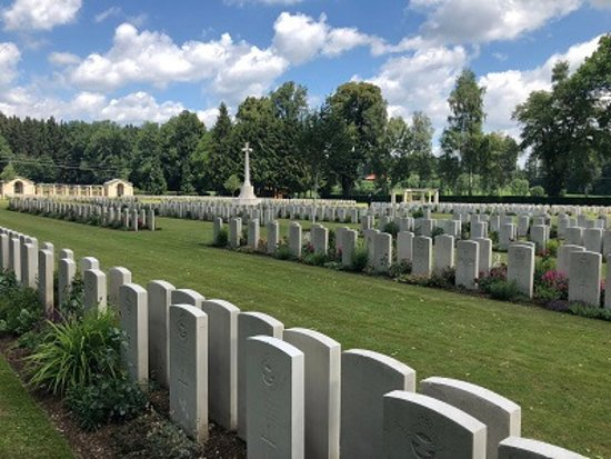 ‪‪Durnbach War Cemetery‬: Some of the 3,000 gravestones‬