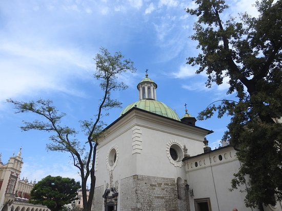 Church of St. Adalbert: Esterno