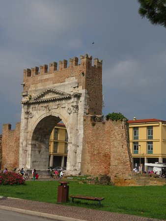 Arco d'Augusto: 20180908093610_IMG_0800_large.jpg