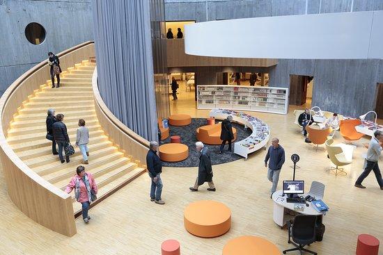 Le Havre, Prancis: Atrium, espace Bandes Dessinées - Intérieur du Petit Volcan (© Erik Levilly - VDH)