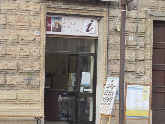 Punto Informazioni ed Accoglienza del Polo Museale Civico
