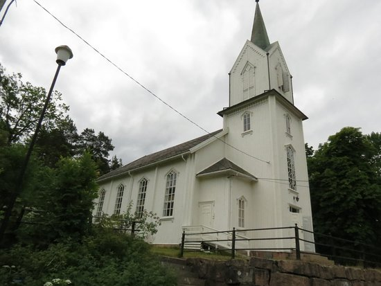 Holmsbu Church