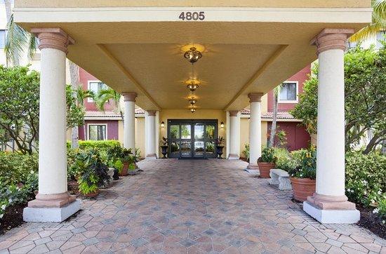 Staybridge Suites Naples-Gulf Coast