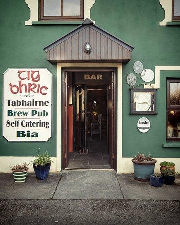 Ballyferriter, Ιρλανδία: Entrance to Tig Bhric & West Kerry Brewery