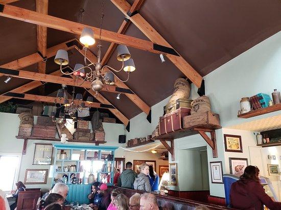 Fitzpatrick's Bar: Inside