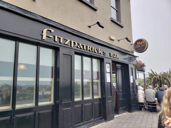 Fitzpatrick's Bar: Outside