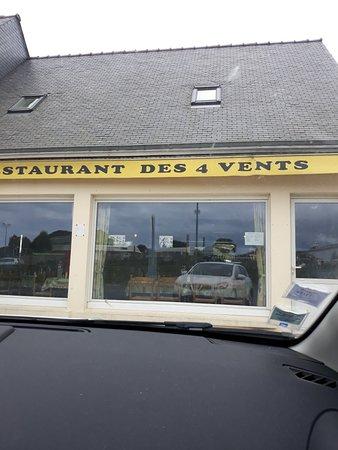 Lezardrieux, Франция: Auberge des Quatre Vents