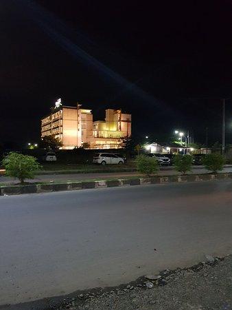 Timika, إندونيسيا: 20180904_195643_large.jpg