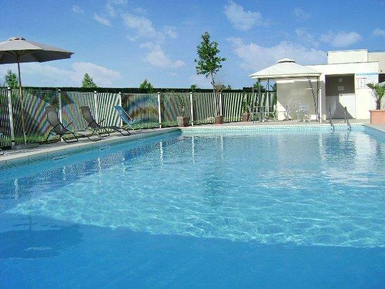 Residhome Privilege Toulouse Occitania: Pool