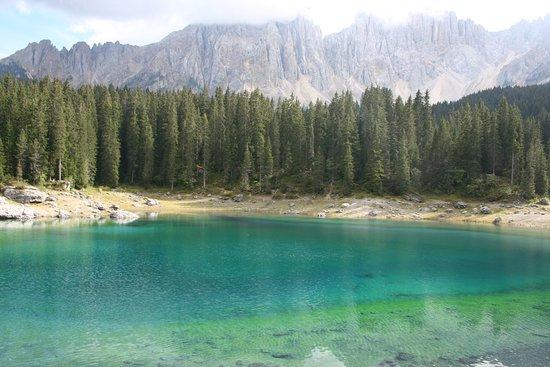 Trentino Dolomites, Italia: Lago di Carezza