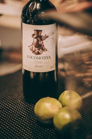 Vastra station Restaurang & Bar: Vårt egna vin Locomotiva, från piemonte