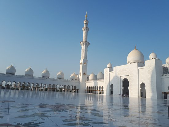 Rayna Day Tours & Travels : Abu Dhabi Mosque