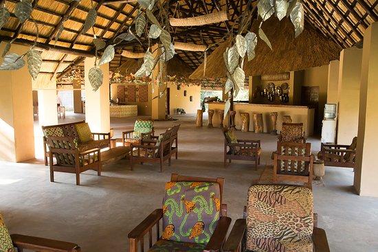 Livingstone, Zambia: newton kondwani safrais guide