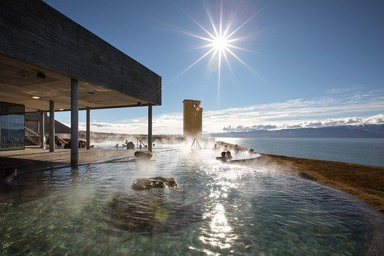 Husavik, Islandia: Soak and enjoy the sun