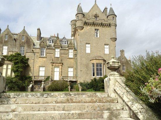Castle Kennedy Gardens: Lochinch Castle