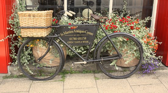 Stamford, UK: Our bicyclce advertising St Martins Antiques Centre