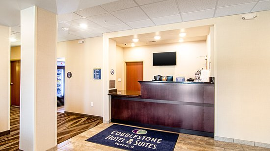 Front Desk at the Paxton IL Cobblestone Hotel & Suites