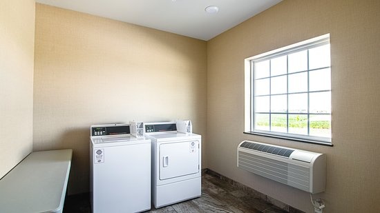 Guest Laundry Room at Cobblestone Hotel & Suites Paxton IL