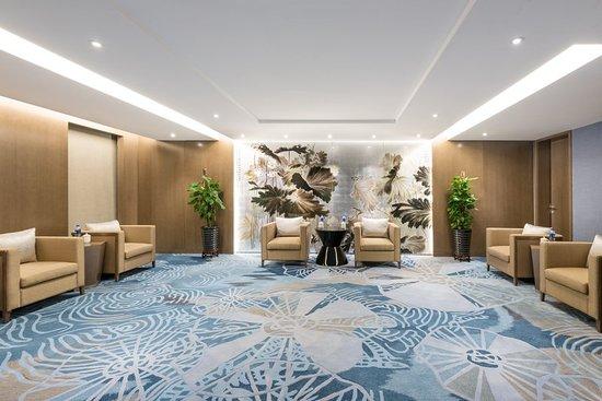 Xianghe County, China: Lobby