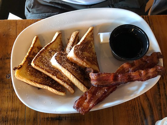 Crystal, MN: French toast and bacon.