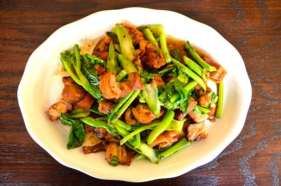Crispy Pork Belly with Chinese Brocoli - Picture of Thai