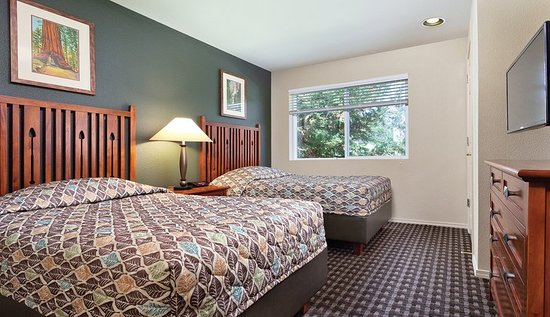 Bass Lake, CA: Guest room