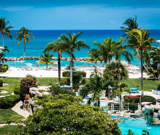 Sand Island: MARGARITAVILLE BEACH RESORT GRAND CAYMAN