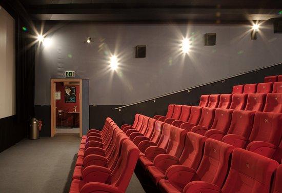 Halle, Allemagne : Kinosaal