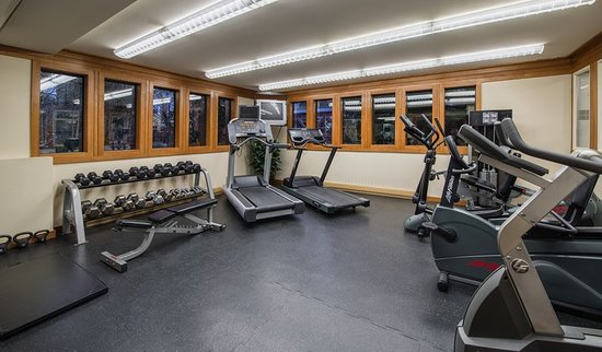 Whistler Village Inn + Suites: Health club