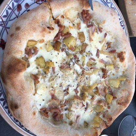 Les meilleures pizzas de Nantes ! Elles sont moelleuses et à tomber par terre 🤤 Le pot de tira