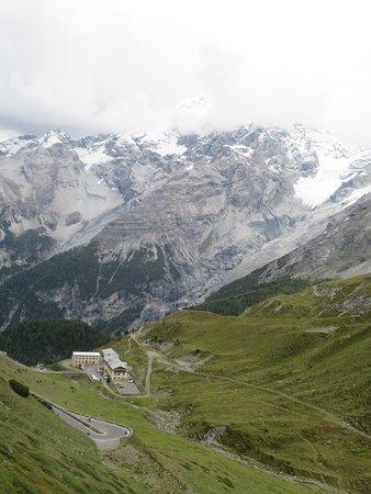 Трафои, Италия: einsame Lage an der Stilfserjochstraße inmitten der Bergwelt