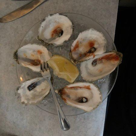 Oyster Company Raw Bar & Grill: photo0.jpg