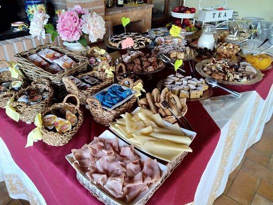 Country House Casal Cerqueto: La colazione!!!