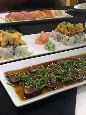 Tsuki Sushi Bar Foto